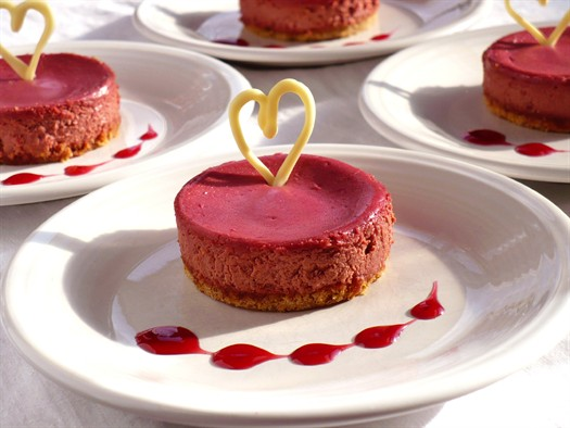 Hearts on cheesecake